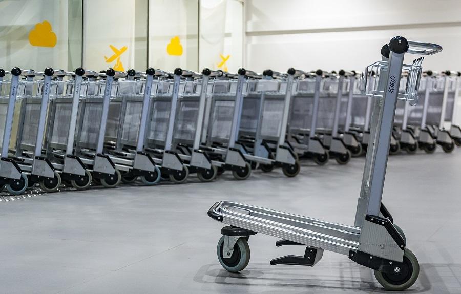 Багажные тележки в воздушной гавани Шереметьево